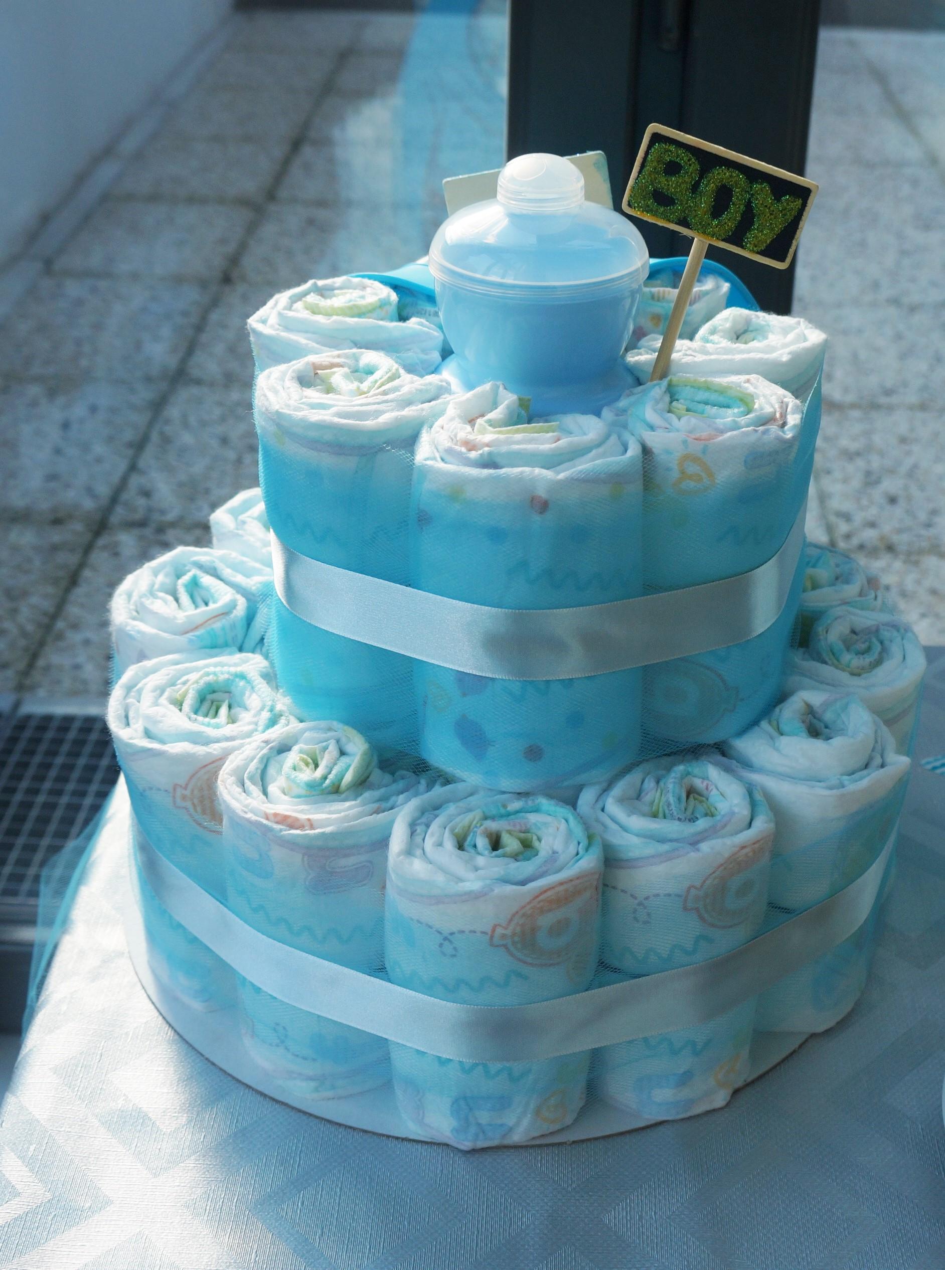 Gâteau de couches bleu garçon