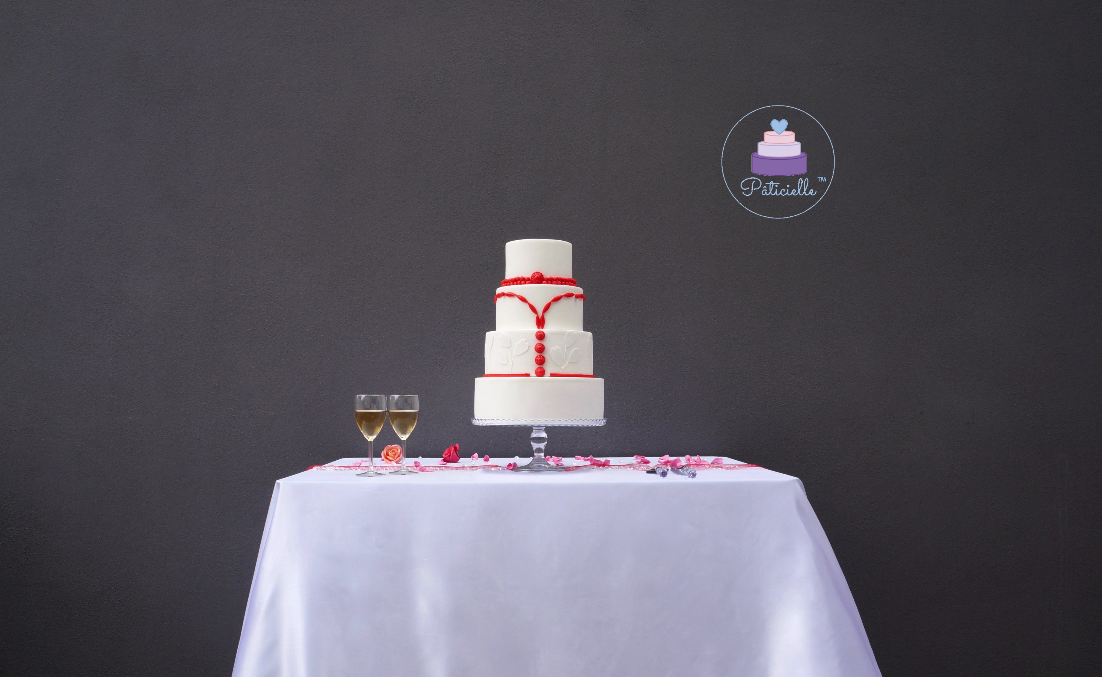 Elegant wedding cake blanc rouge